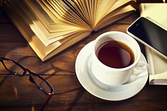 心が疲れた時にコーヒーを読みながら自分を癒す本3選
