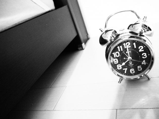 一人暮らしでも朝寝坊しない方法!朝が苦手で毎日つらい人必見!